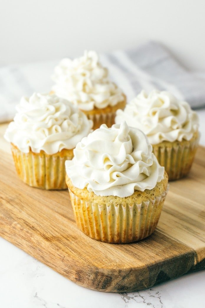 keto cupcakes with low carb buttercream