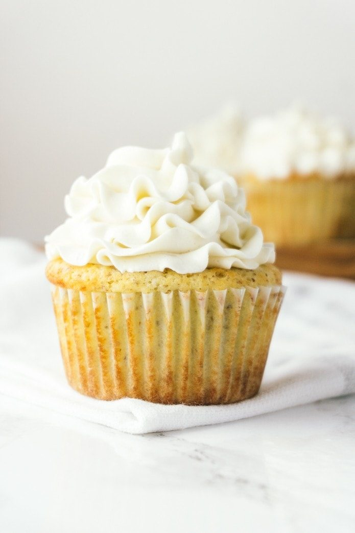low carb vanilla cupcakes with frosting