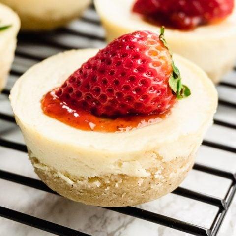 Keto Mini Cheesecake Bites