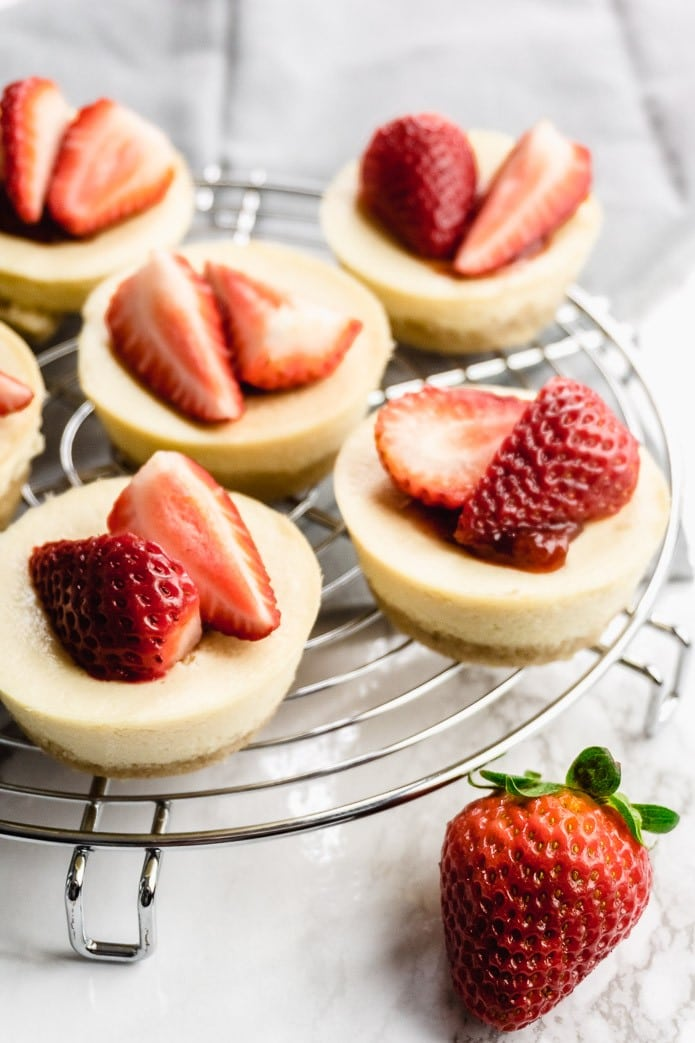 mini cheesecakes made low carb with almond flour and strawberries