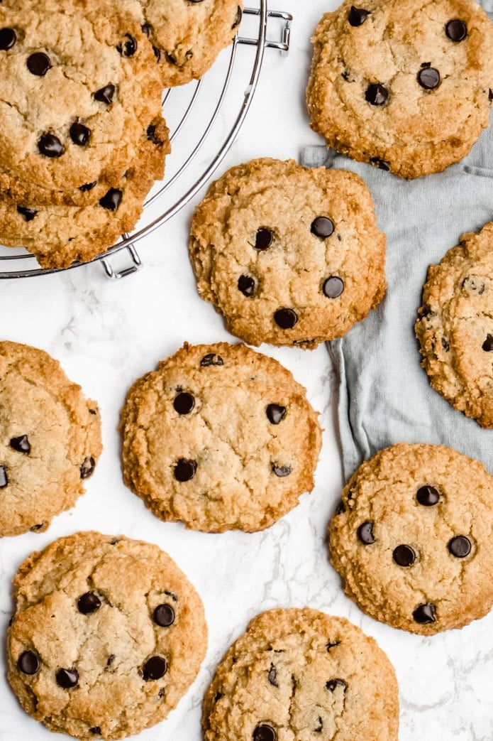 low-carb chocolate chip cookies made with almond flour