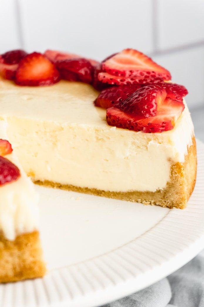 easy keto cheesecake with gluten-free sugar-free crust