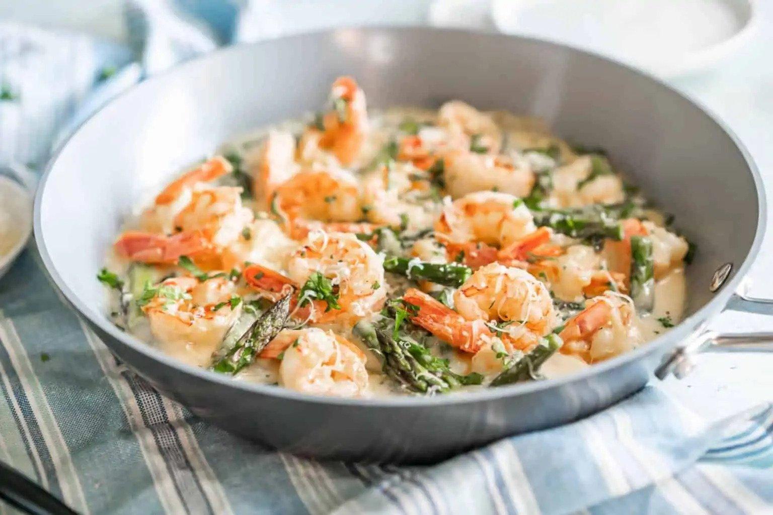 Keto Asparagus and Shrimp Alfredo