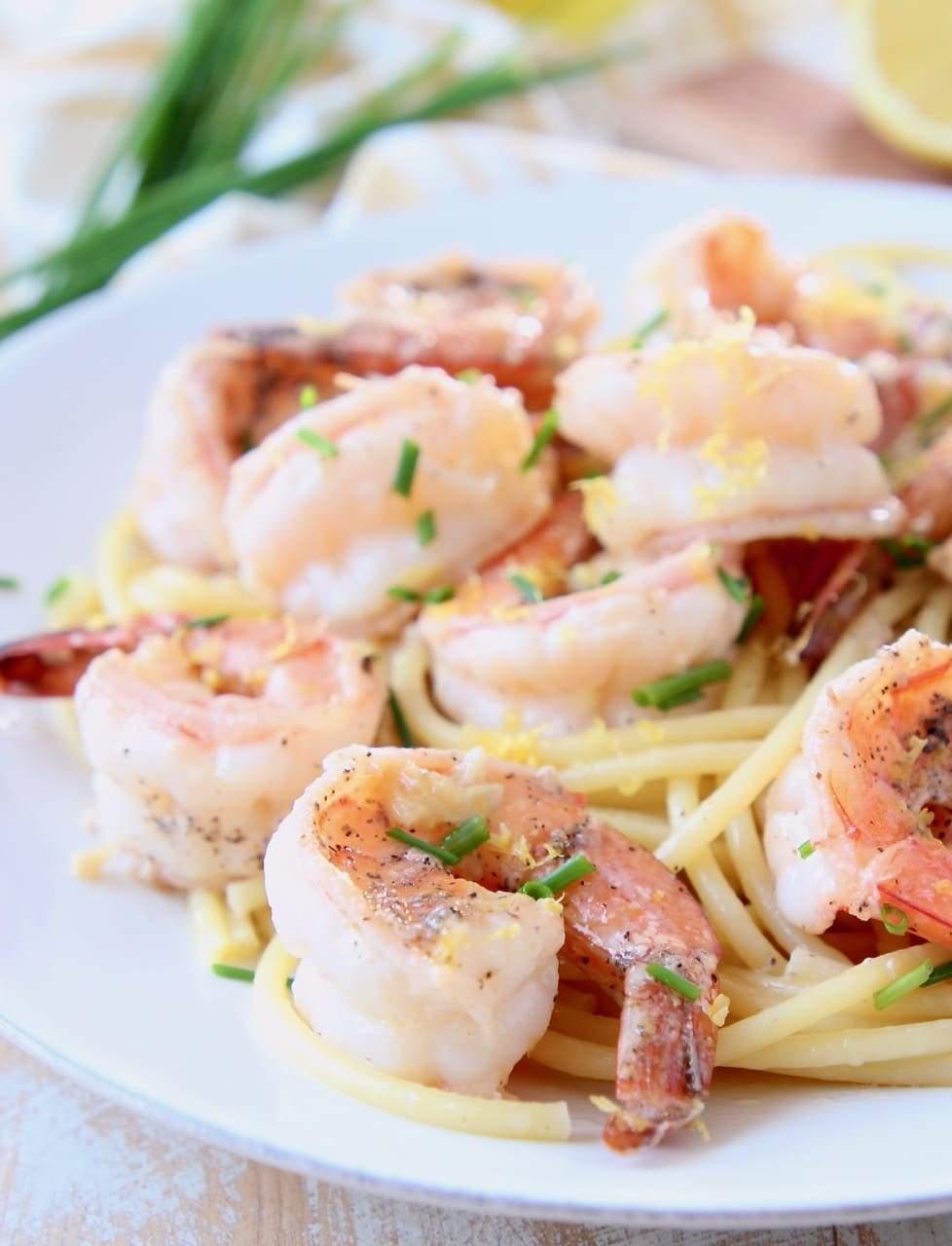 Lemon Butter Garlic Shrimp Scampi